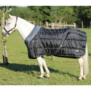 http://www.equisport.fr/870-1661-thickbox/couverture-bosx-cheval-performance.jpg